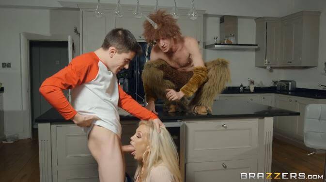 شيطان الجنس يجعل جوردي ينيك زوجة ابوه - افلام سكس نار