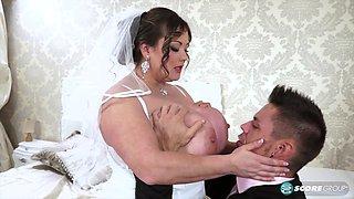 عريس وعروسه يتناكو في ليلة الدخلة